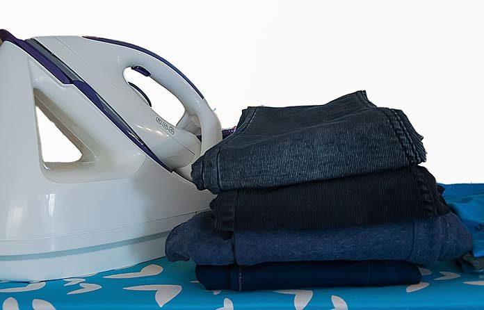 Dajcie sobie drugą szansę - prasowanie parą wodną odświeża stare oraz znoszone ubrania