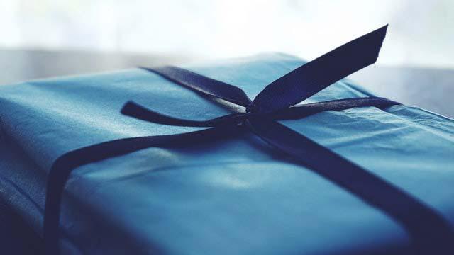 Najlepsze prezenty ślubne za niewielkie pieniądze