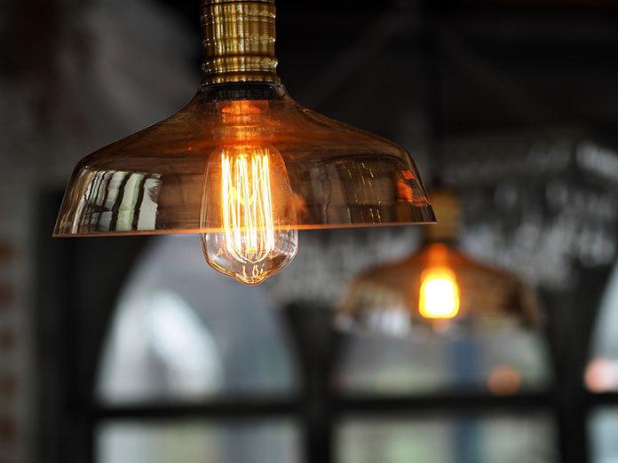 Jak wybierać lampy sufitowe do domu